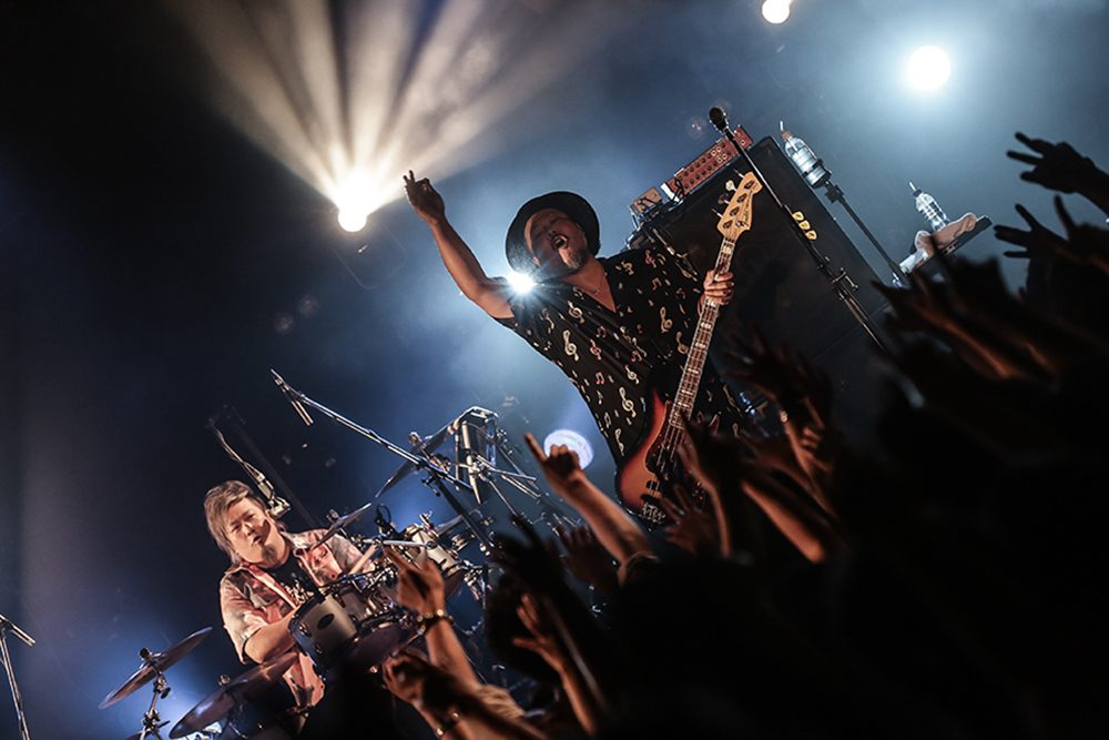 『Smile Count Down Live in OKINAWA 2020-2021』に出演するMONGOL800